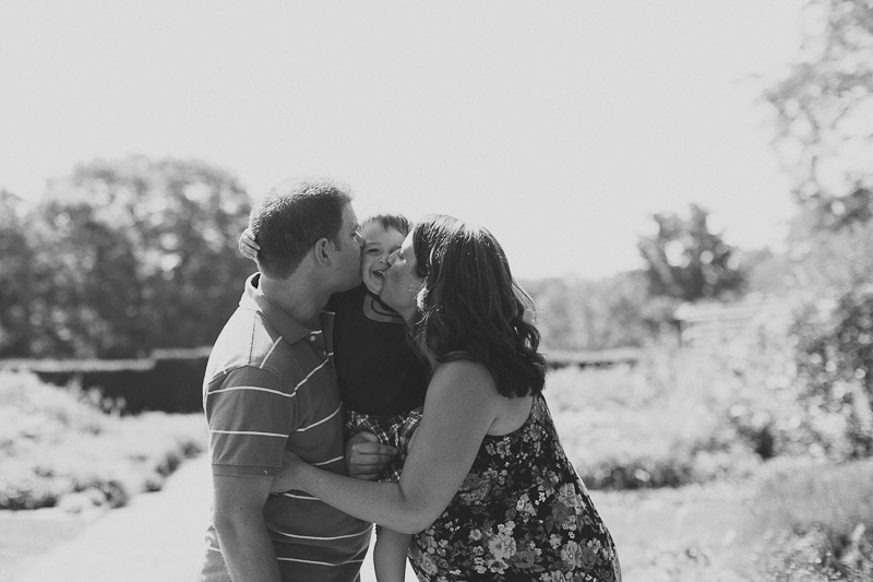 burlington-family-photographer-maternity-photography-lifestyle-maternity-photos-janice-yi-photography-18.jpg