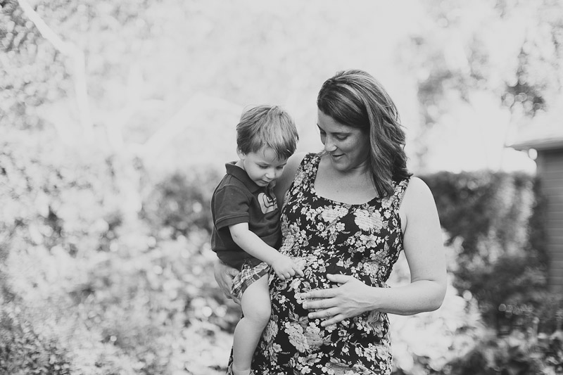 burlington-family-photographer-maternity-photography-lifestyle-maternity-photos-janice-yi-photography-21.jpg
