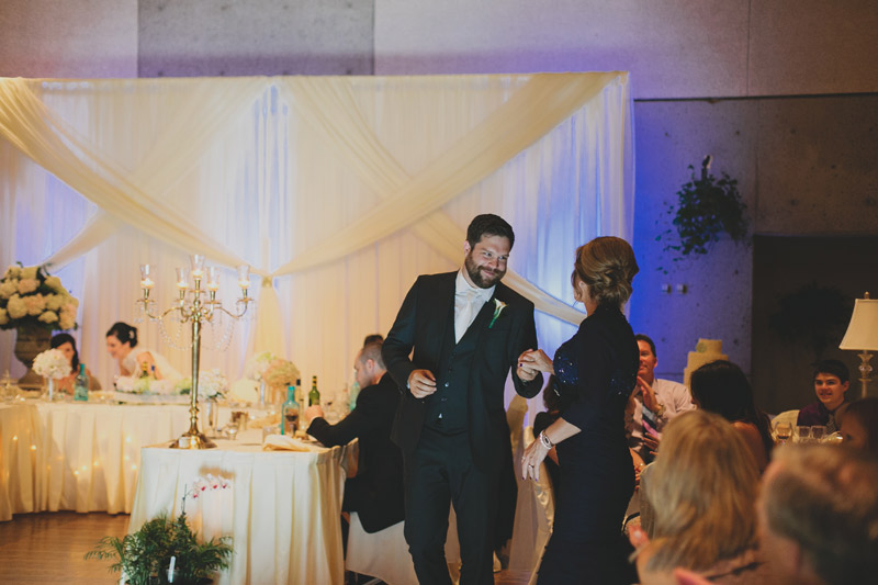 100-royal-botanical-gardens-wedding