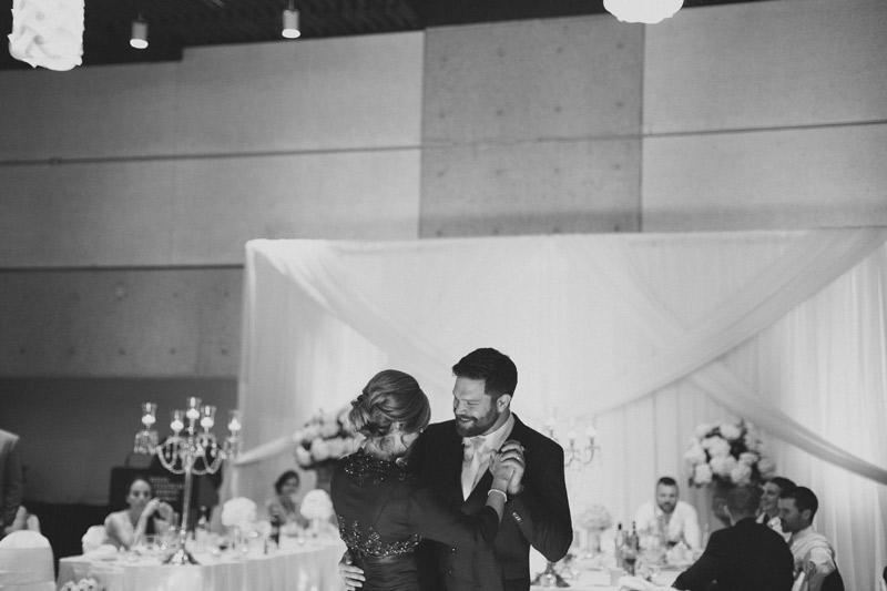 101-royal-botanical-gardens-wedding