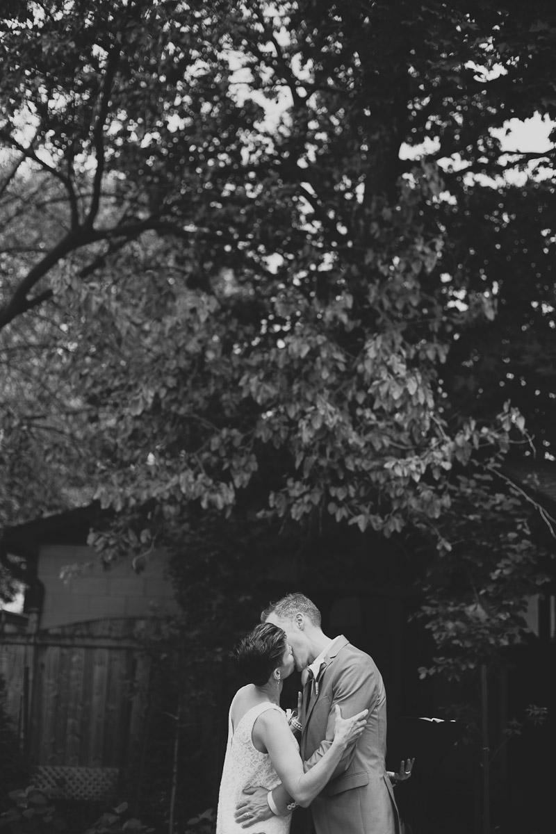 quatrefoil-restaurant-wedding-photo-photojournalistic-wedding-photography-janice-yi-photography-62