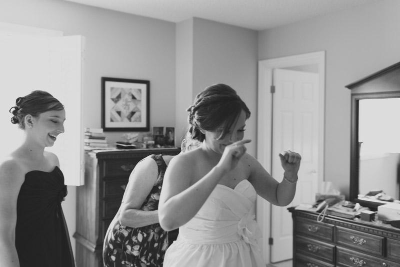 documentary-wedding-photographer-toronto-janice-yi-photography-17