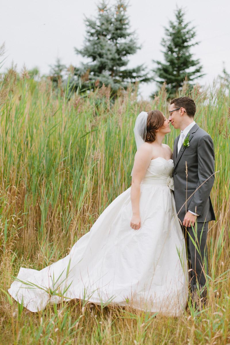 rustic-elegant-wedding-romantic-wedding-photos-89