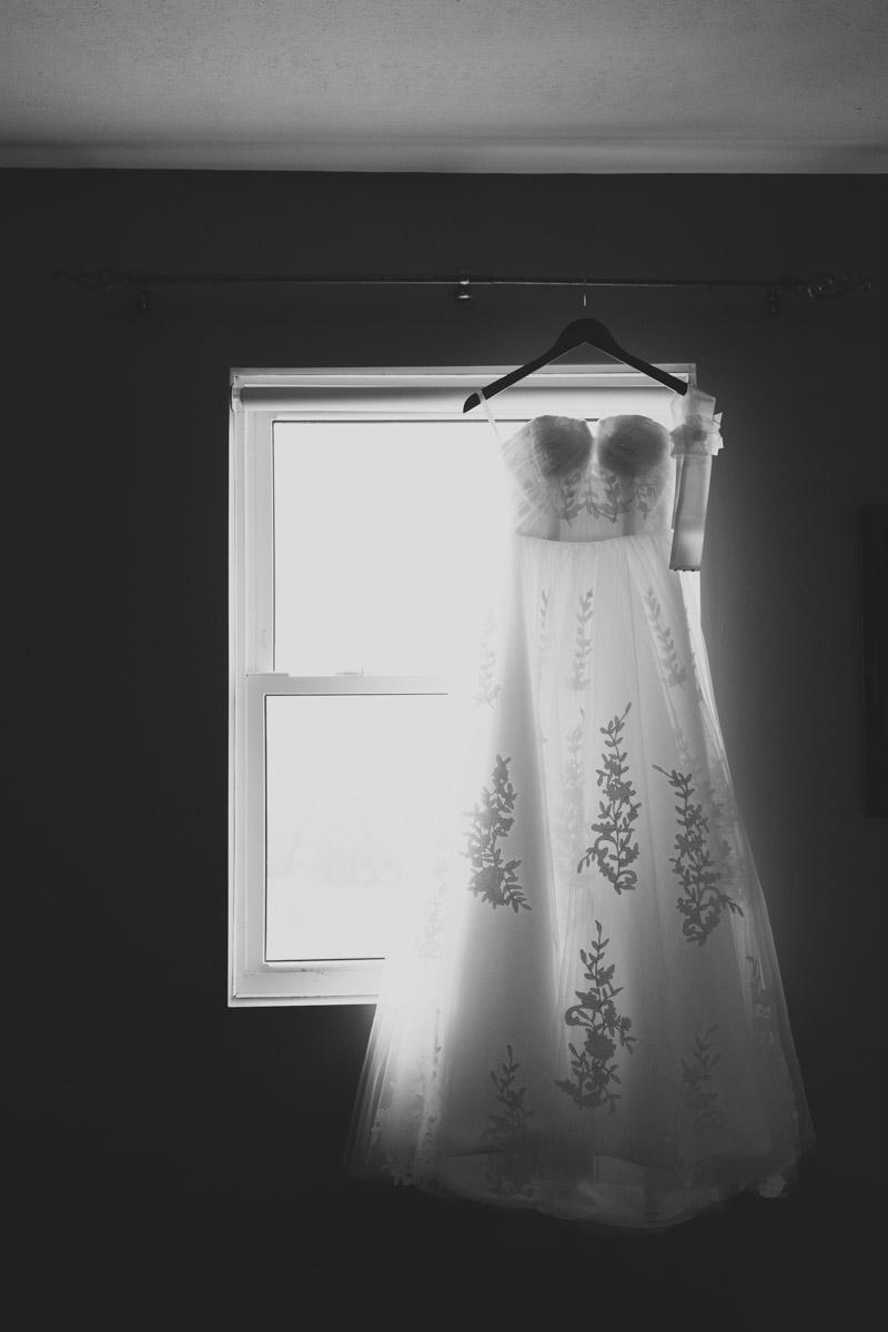 unique-wedding-dress-leaf-motif