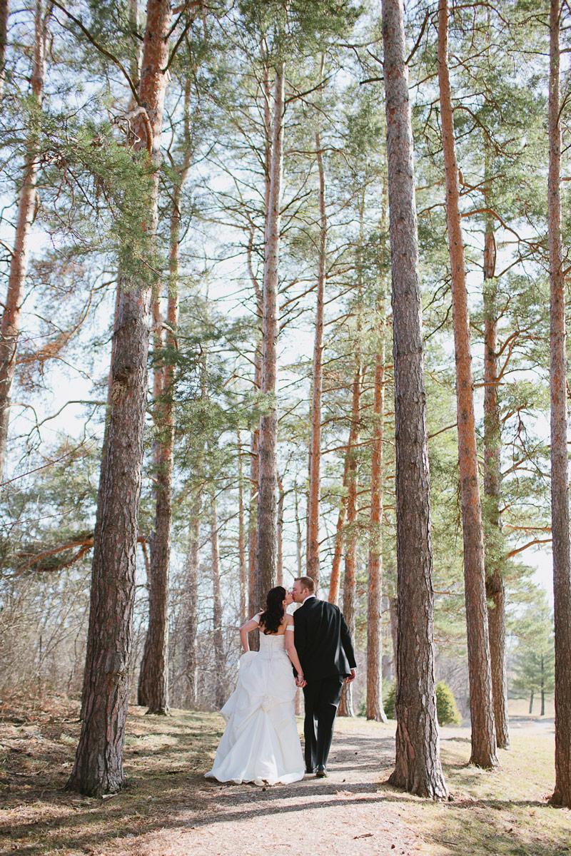 outdoor-wedding-photos