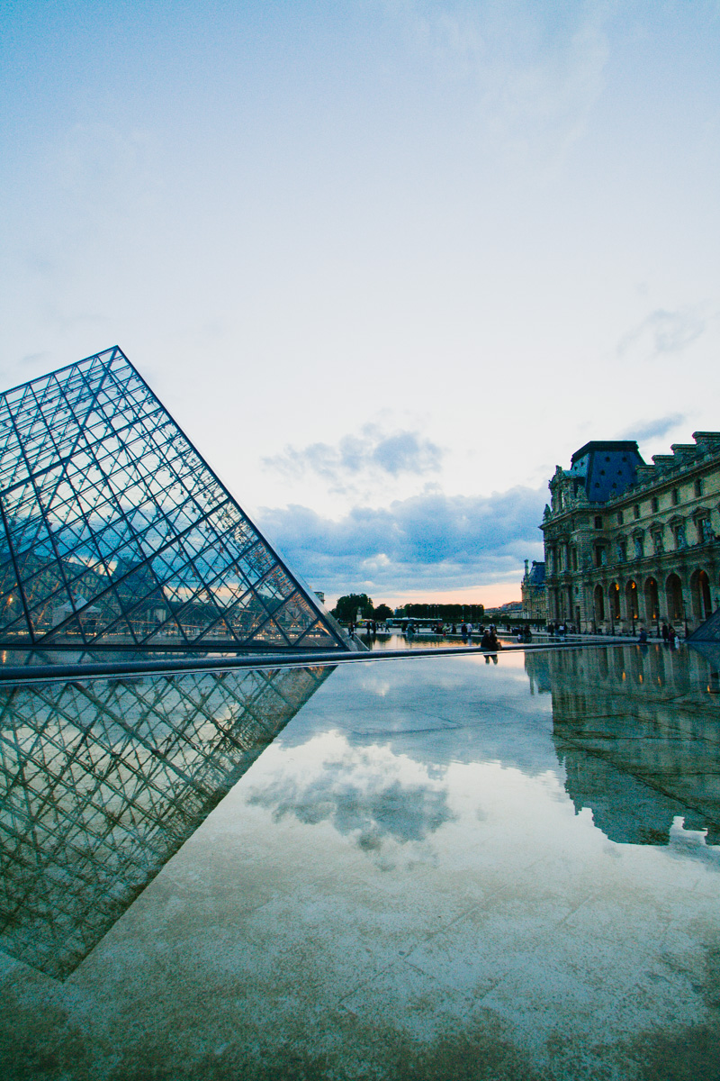louvre-museum-courtyard-sunset-paris-travel-photos-destination-wedding-photographer