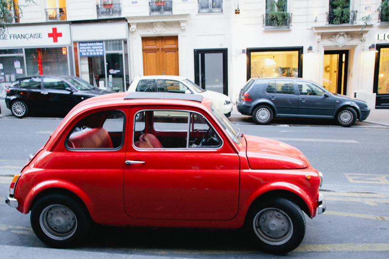 paris-travel-photos-red-vintage-mini