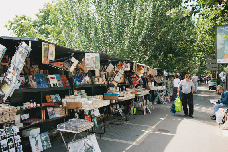 paris-travel-photos-book-stalls-seine-bouquinistes
