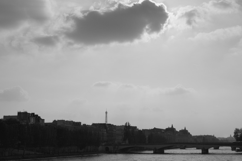 paris-travel-seine-bw-photos