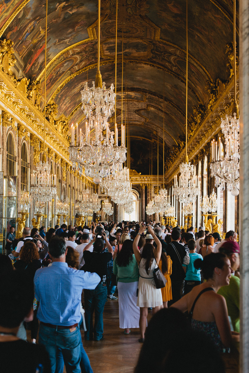 hall-of-mirrors-chateau-versailles-photos