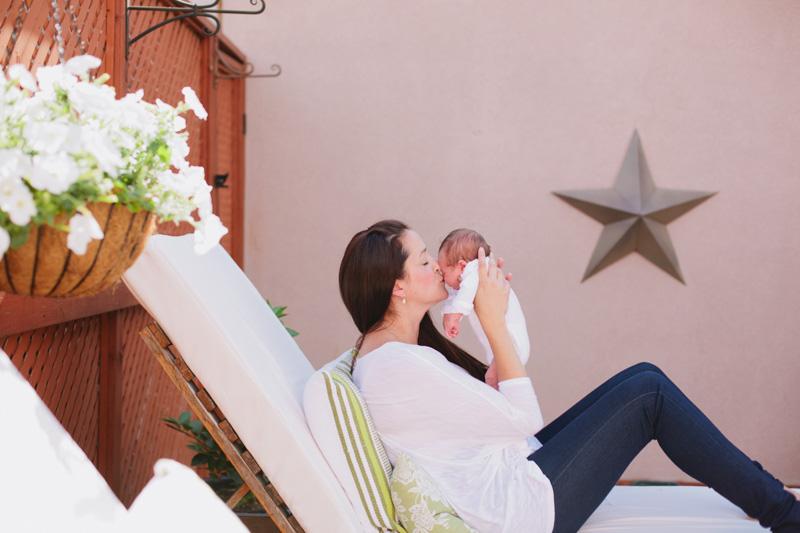 lifestyle-baby-photography-toronto-baby-photographer