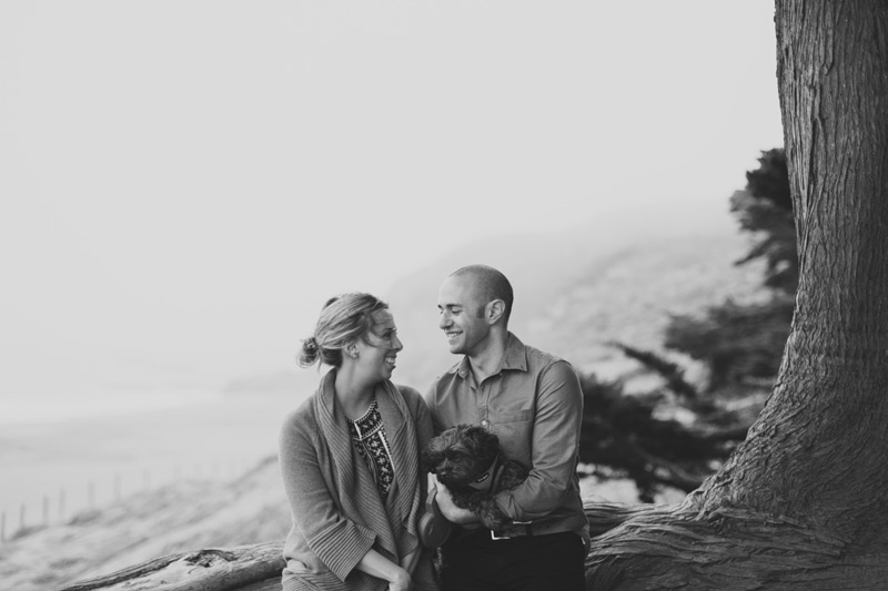 natural and candid engagement photos