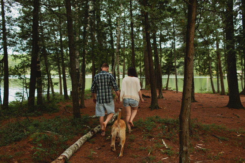 bohemian-cottage-engagement-photos-047