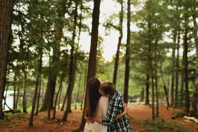 bohemian-cottage-engagement-photos-051