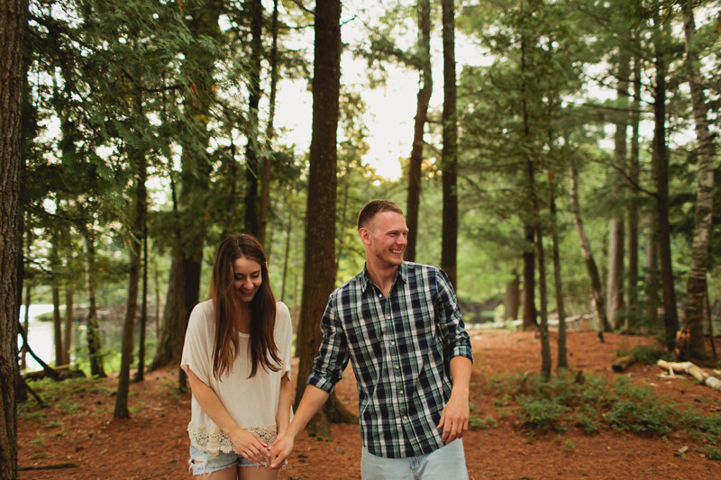 Relaxed Cottage Engagement Pictures