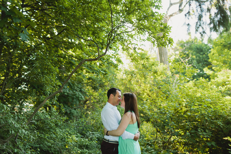 engagement session on toronto island
