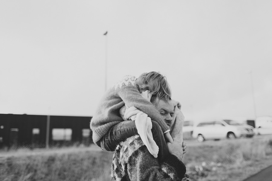 girl on daddy's shoulders