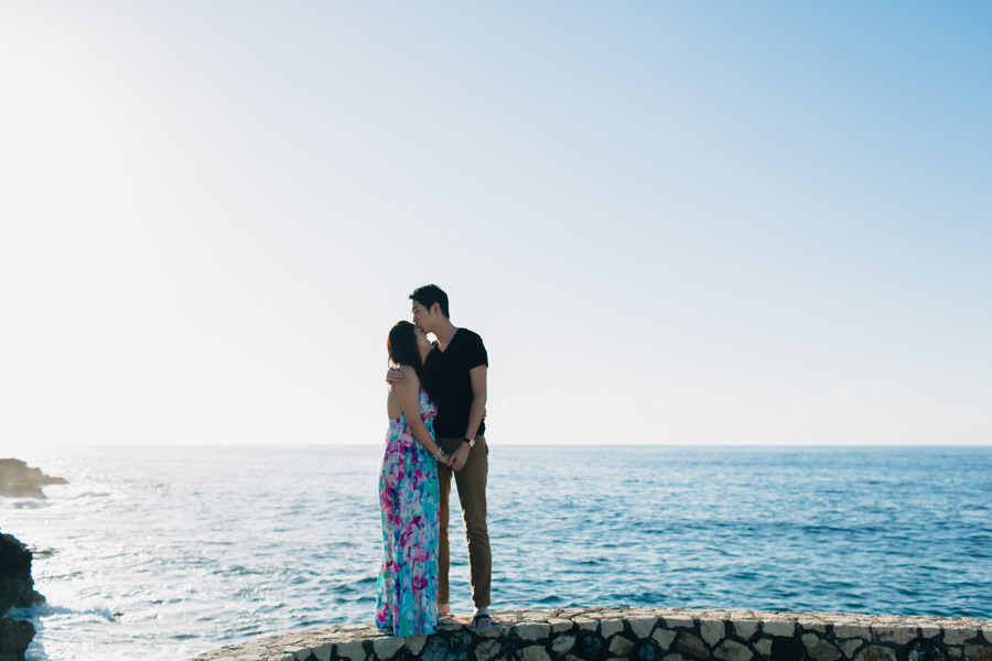 cliffside engagement photos negril