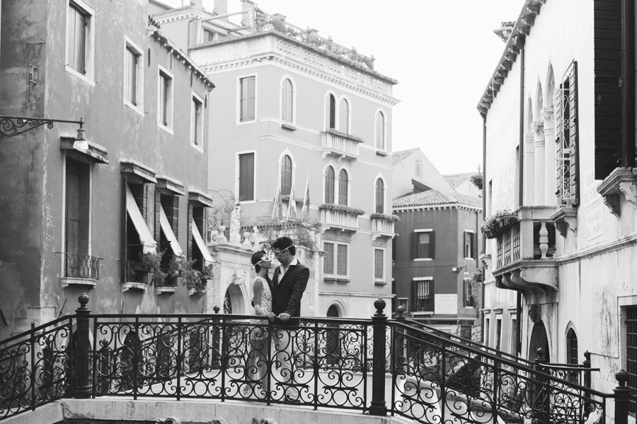 Romantic Venice honeymoon pictures