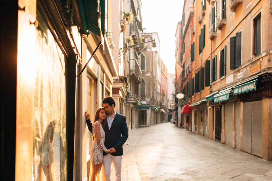 Venice honeymoon session photos sunrise