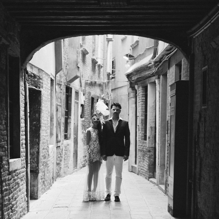 honeymoon session photos in Venice