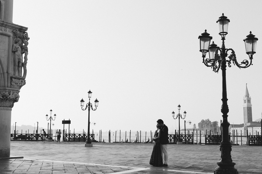 Honeymoon portrait session in Venice