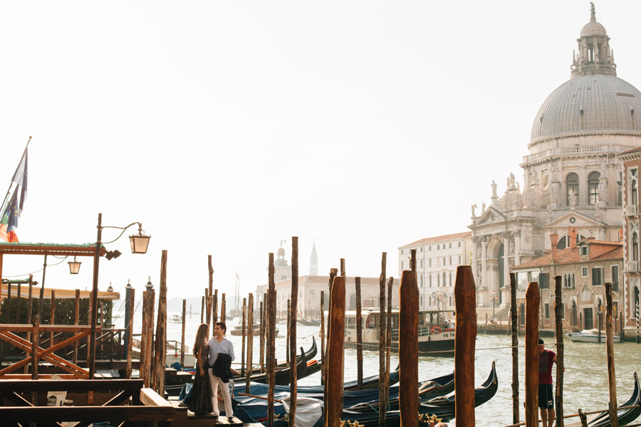 Grand Canal honeymoon couples photo shoot Venice