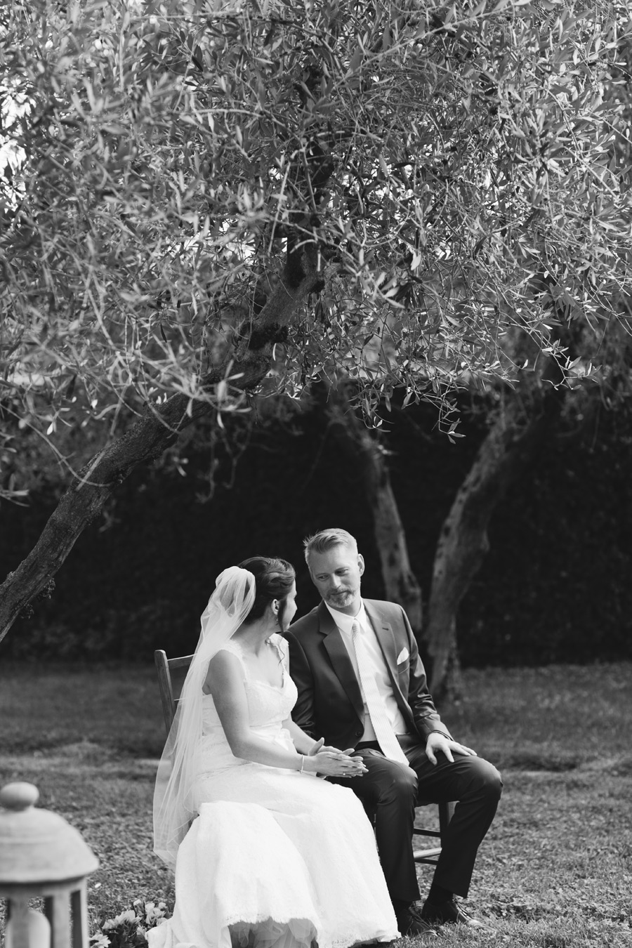 classic black and white wedding picture