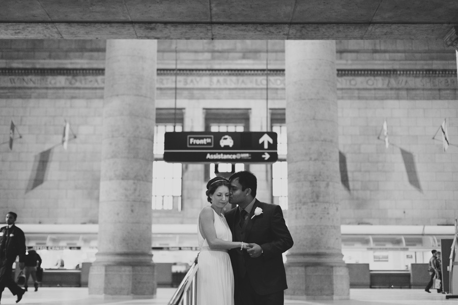 Toronto indoor wedding photo locations