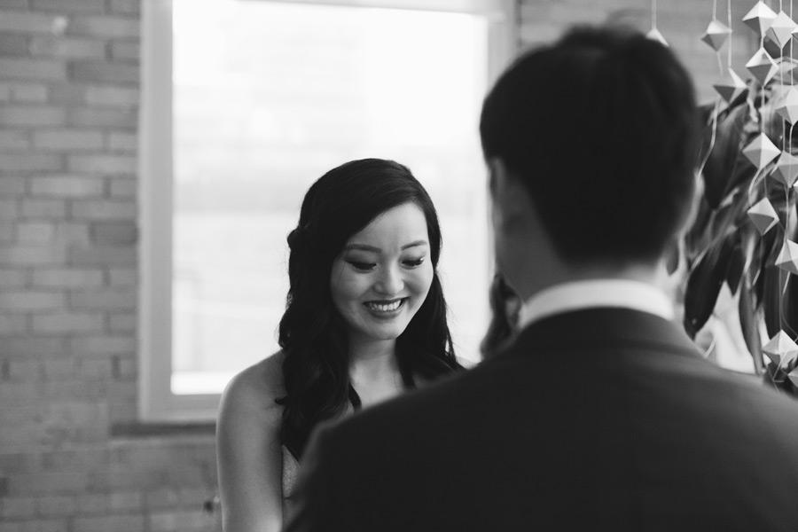 Wedding photos that capture emotion