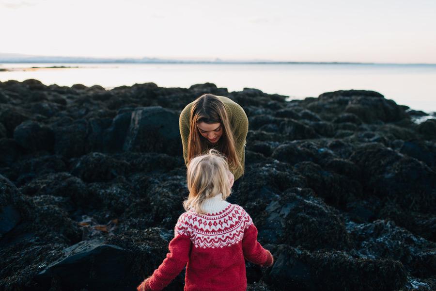 041-iceland-family-photographer