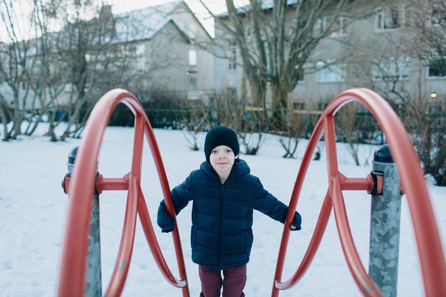 049-iceland-family-photographer