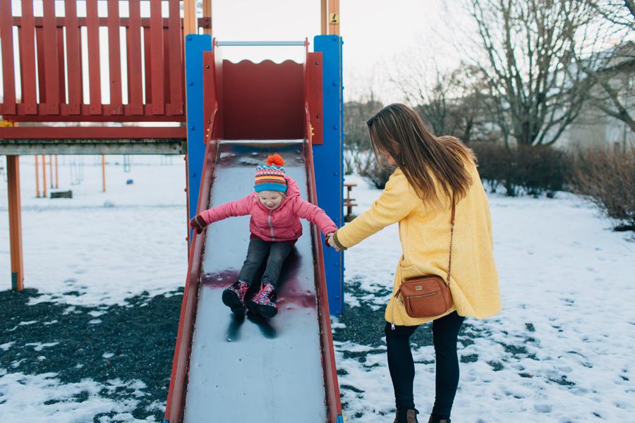 057-iceland-family-photographer