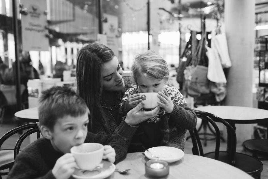 064-iceland-family-photographer