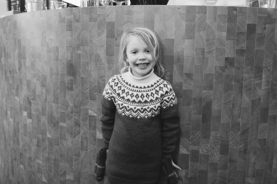 071-iceland-family-photographer
