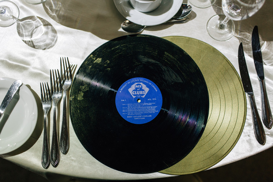 Wedding details for music lovers