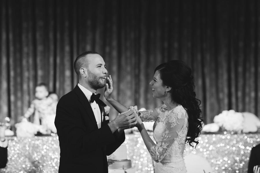 non cheesy wedding photos