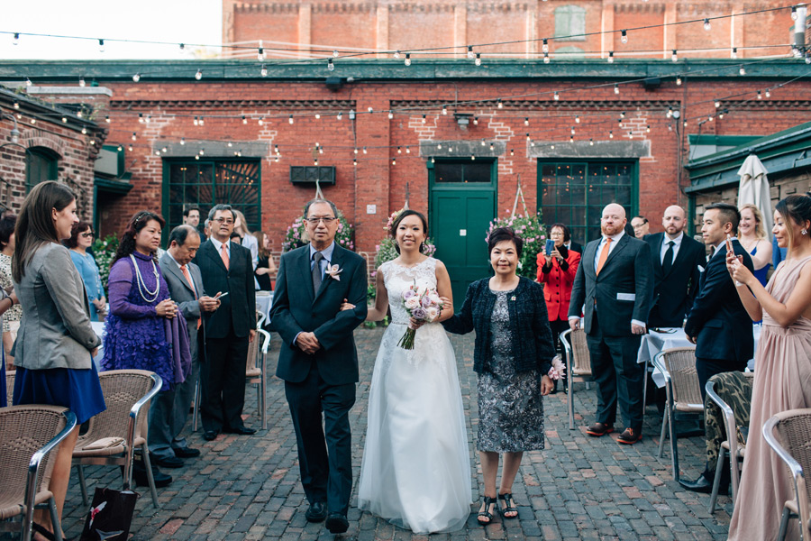 083-distillery-district-wedding-archeo