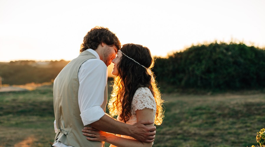 Wedding Photography Rate: Documentary Toronto Wedding Photographer Rates